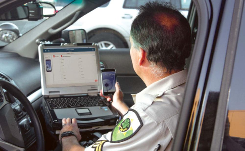 police controle smartphone utilisation au volant Cellebrite peut savoir si vous écrivez ou téléphonez au volant