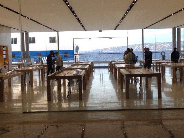d couvrez l 39 apple store de marseille en images appsystem. Black Bedroom Furniture Sets. Home Design Ideas