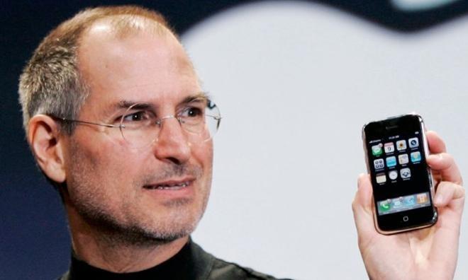 steve jobs iphone LiPhone est lobjet le plus influent de tous les temps selon TIME