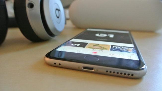 iphone jack e1467291963351 Apple a gardé la prise Jack 2 fois plus longtemps que les autres ports