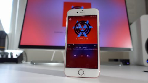 apple tv remote 500x281 Apple TV Remote : lapplication iPhone est enfin disponible !