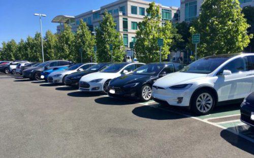 tesla apple 500x311 Les employés dApple adorent rouler en Tesla