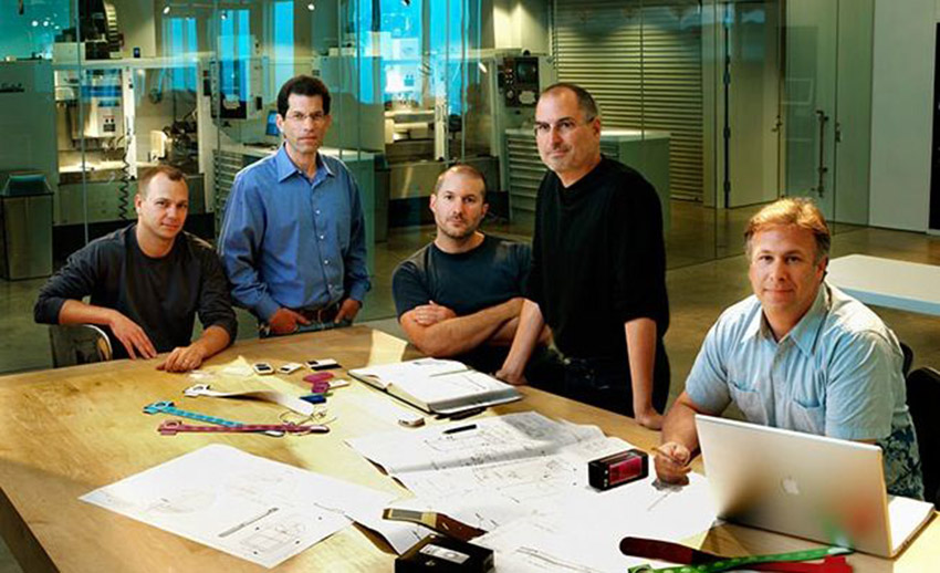 jony ive Jony Ive : toujours en charge de la conception des produits dApple