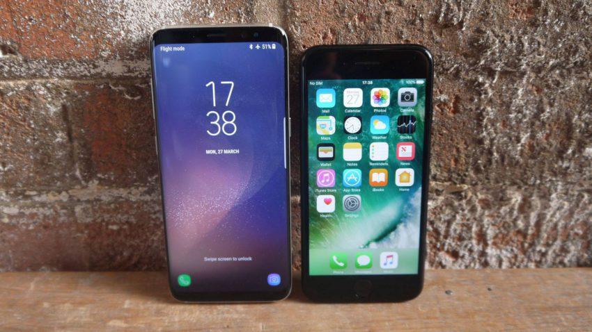 galaxy s8 vs iPhone 7 850x478 Apple iPhone 7 vs Galaxy S8 de Samsung : le comparatif en vidéo