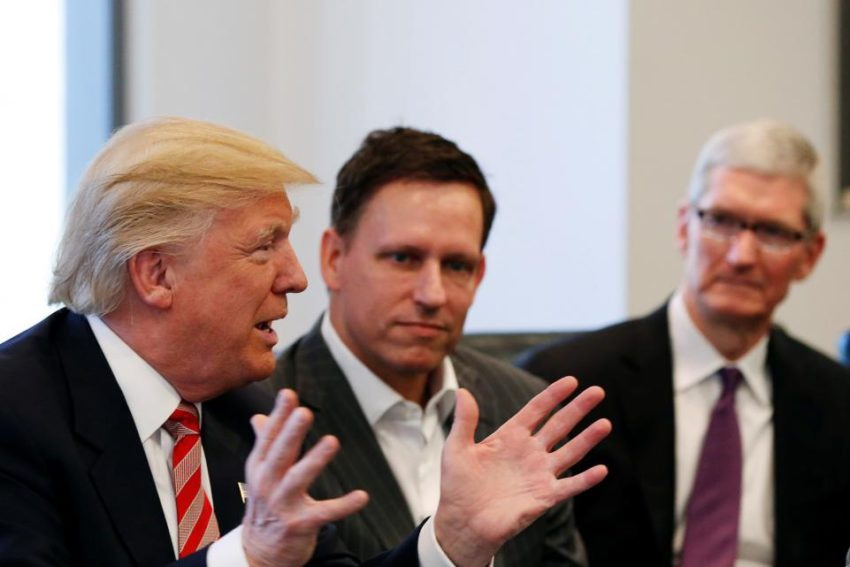 tim cook donald trump Tim Cook et dautres CEO invités à lAmerican Technology Council à la Maison Blanche