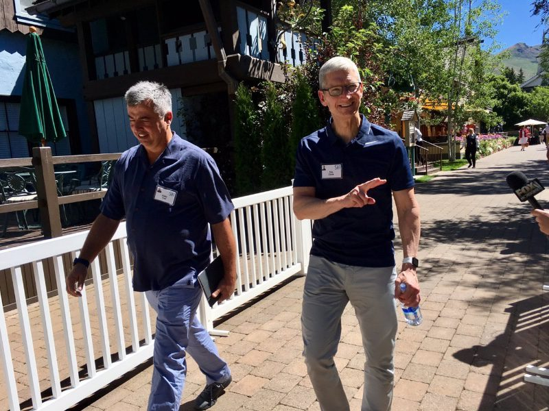 149998023242608069127947 jpt e1499984817483 Tim Cook et Eddy Cue participent à la conférence annuelle dAllen and Co. dans la Sun Valley