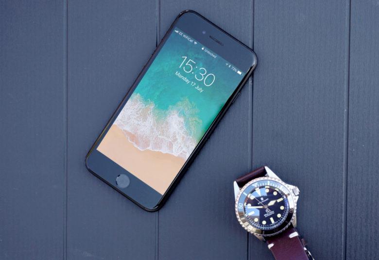 iOS 11 Lock Screen 780x536 iOS 11.1 bêta 2 : retour du geste 3D Touch pour ouvrir le multitâche