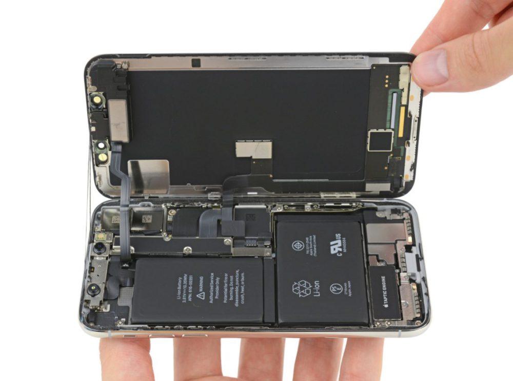 Capture d'écran 2017 11 03 à 16.57.58 iFixit démonte liPhone X : double batterie en L, câbles entrelacés et plus