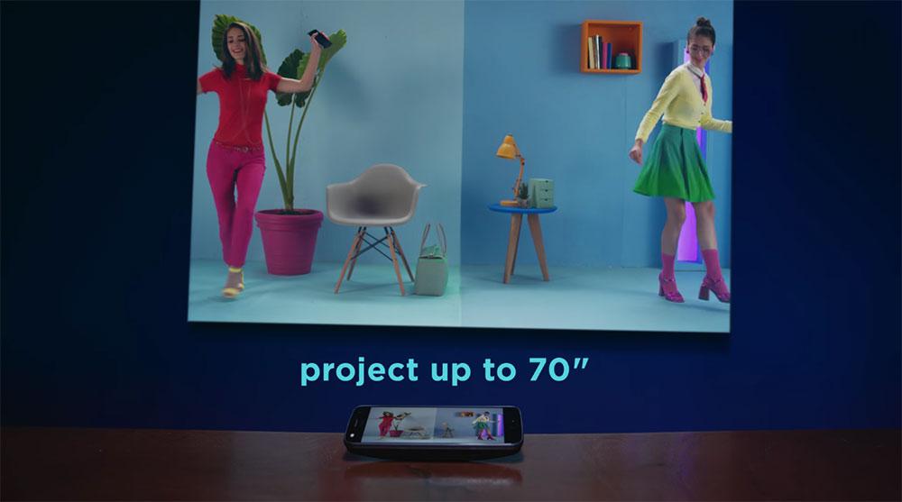 moto z2 Motorola répond à la dernière publicité de Samsung sur l'iPhone X