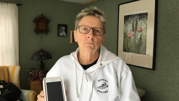 Canadienne Faux iPhone 8 Plus Elle se laisse tromper et achète un faux iPhone 8 Plus pour 800 dollars