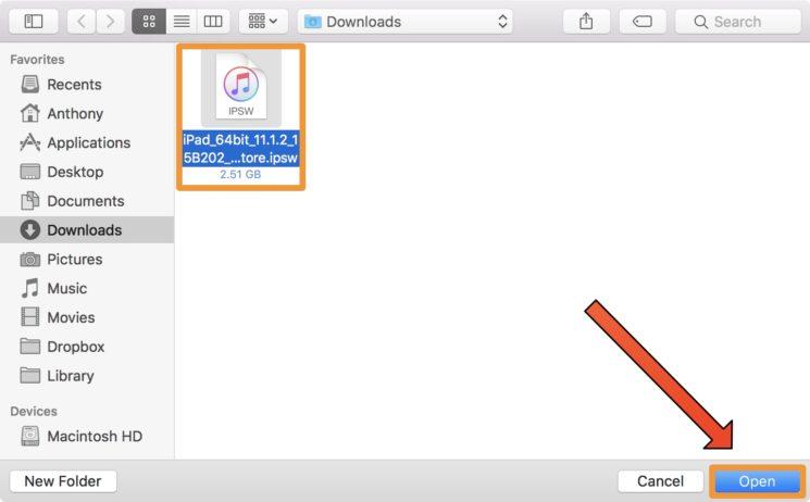 iTunes Selectionner iOS 11.1.2 Tuto : comment passer ou downgrade sur iOS 11.1.2 en attendant le jailbreak
