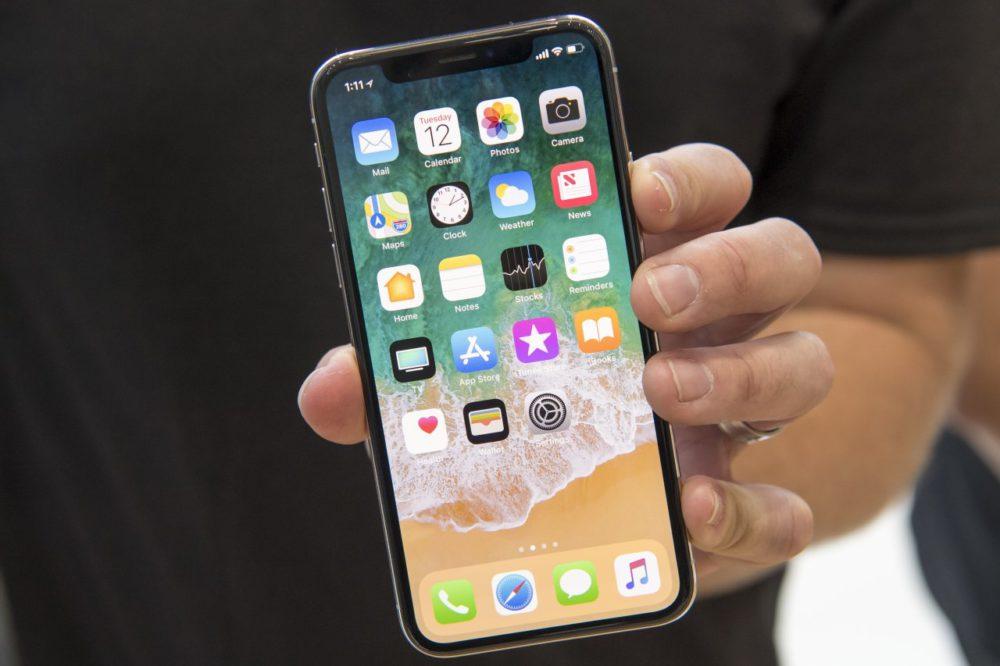 iPhone X Ecran Jusquà 270 millions d'écrans commandés par Apple en 2018 ?