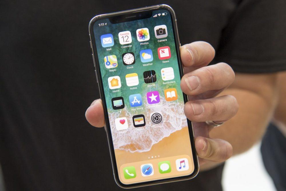 iPhone X Ecran Seulement des écrans OLED sur les iPhone de 2019 ?