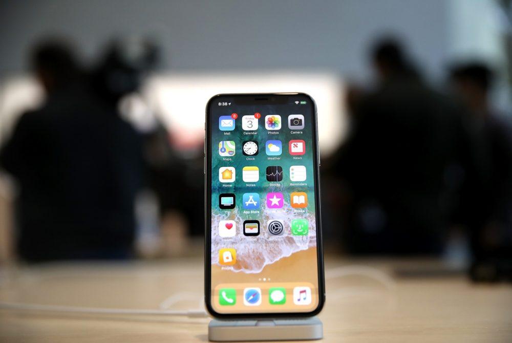 iPhone X Face ID plus performant et double carte SIM sur liPhone 6,5 pouces de 2018 ?