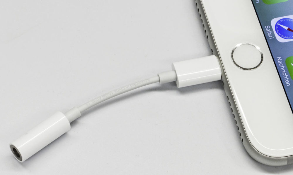 Lightning Vers Jack iPhone 7 1000x600 L'adaptateur Lightning vers mini Jack d'Apple se vend très bien aujourd'hui encore