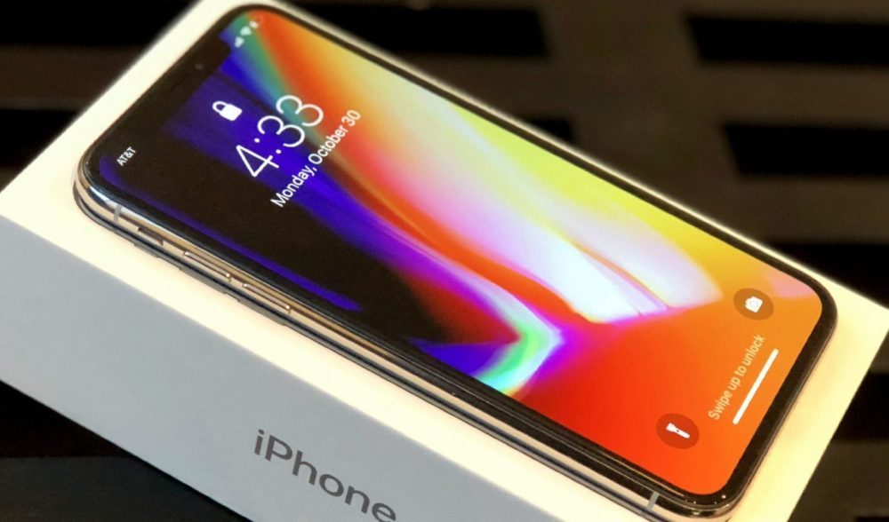 iPhone X Ecran OLED 1000x588 Selon Counterpoint Research, liPhone X a été le smartphone le plus vendu en 2018