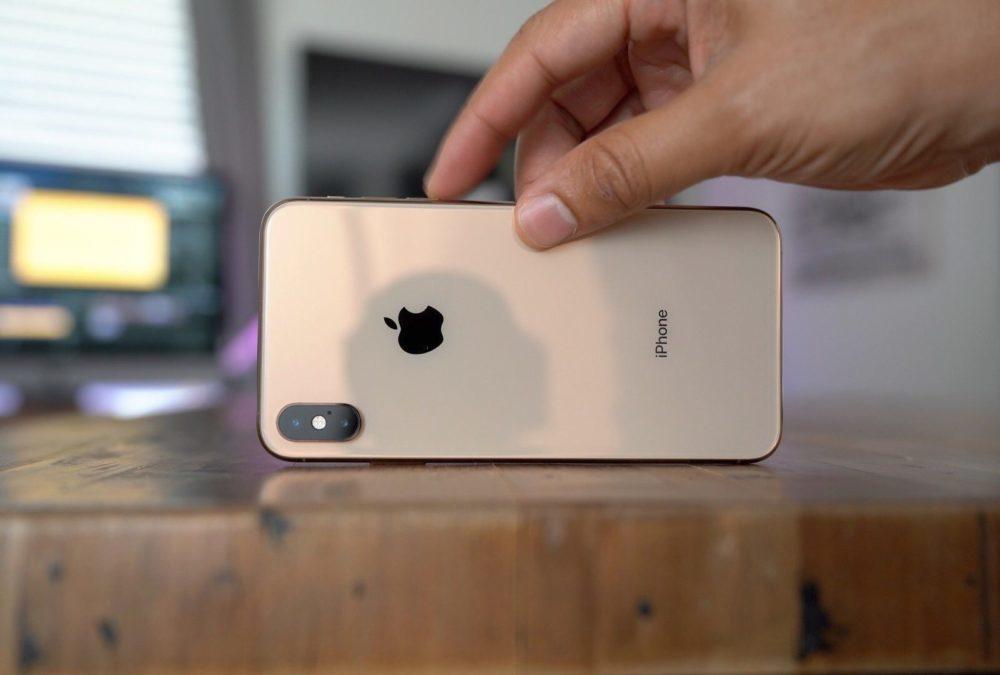 iPhone XS Max Cote 1000x675 Les composants de liPhone XS Max coûtent environ 443 dollars à Apple