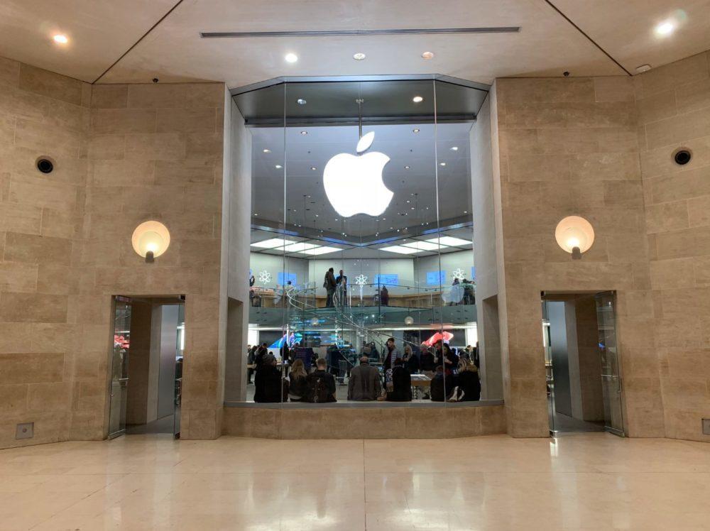 Fermeture Apple Store Carrousel Louvre 2 1000x748 COVID 19 : les Apple Store des centres commerciaux ferment leurs portes en France