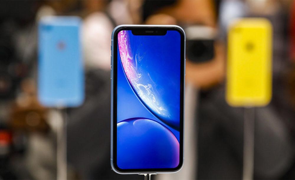 iPhone XR Bleu Facade Avant 1000x610 Lanalyste Ming Chi Kuo annonce que les précommandes de liPhone XR sont élevées