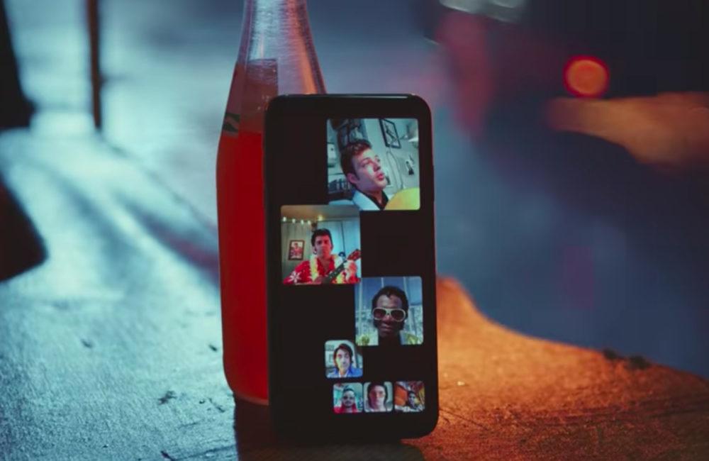 Apple Groupe FaceTime 1000x650 Une nouvelle publicité pour vanter les appels de groupe FaceTime
