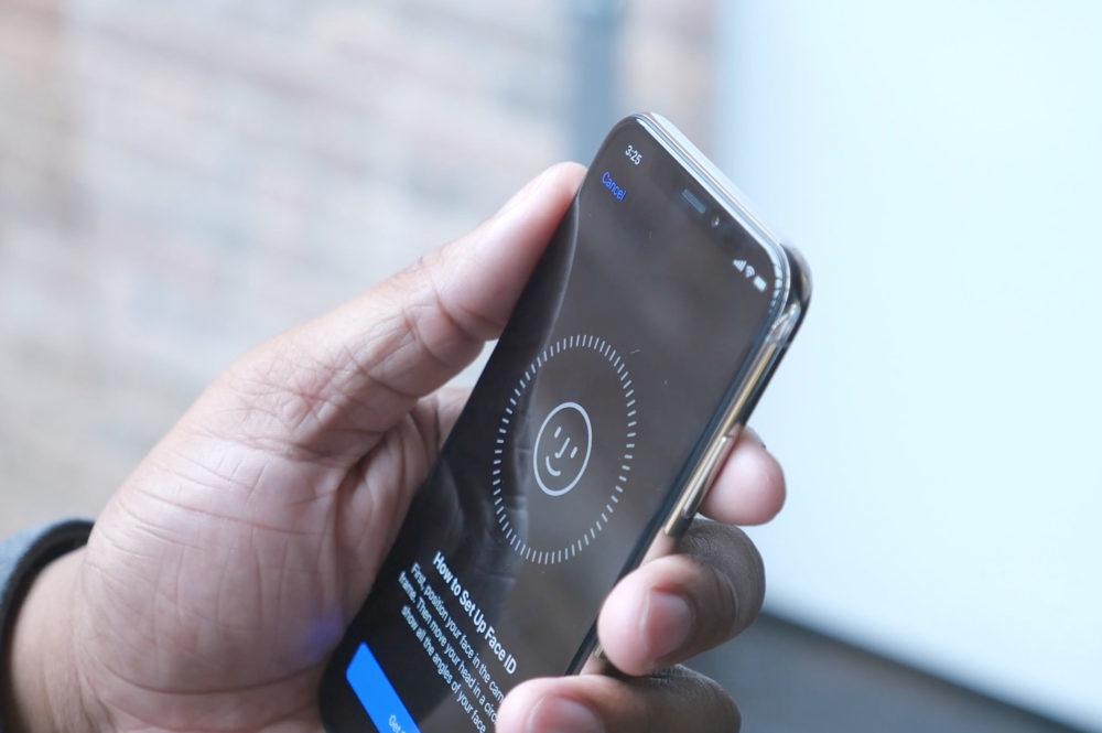Face ID sur iPhone X 1000x665 Face ID amélioré sur les iPhone de 2019 et de nouveaux iPad pour début 2020