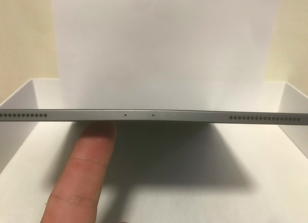 iPad Pro 2018 Pliage 1000x725 Certains iPad Pro 2018 sont livrés avec un châssis plié, mais Apple affirme que cest normal