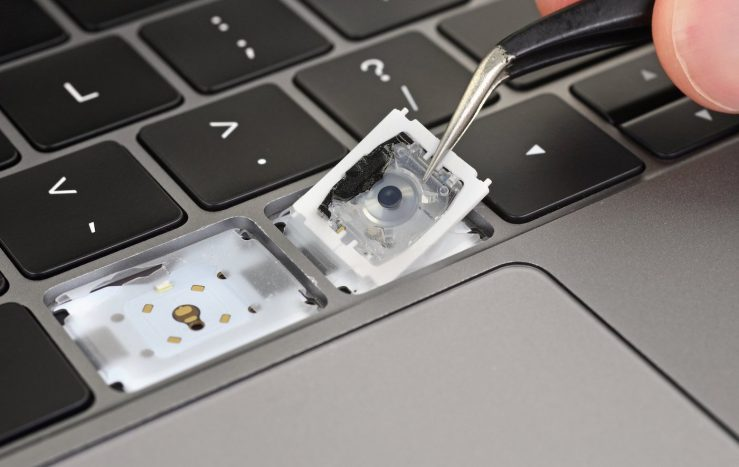 MacBook Pro 2019 Demontage Clavier iFixit MacBook Pro 2019 : voici les modifications faites par Apple au niveau du clavier papillon