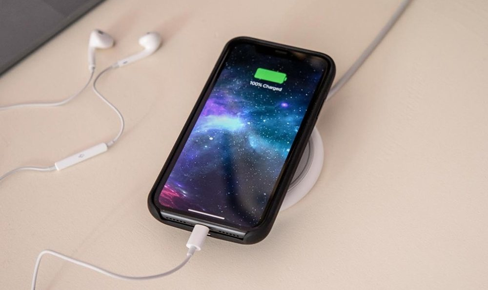 iPhone Qi Charging 1000x595 Un groupe affirme quApple surestime lautonomie annoncée sur ses iPhone