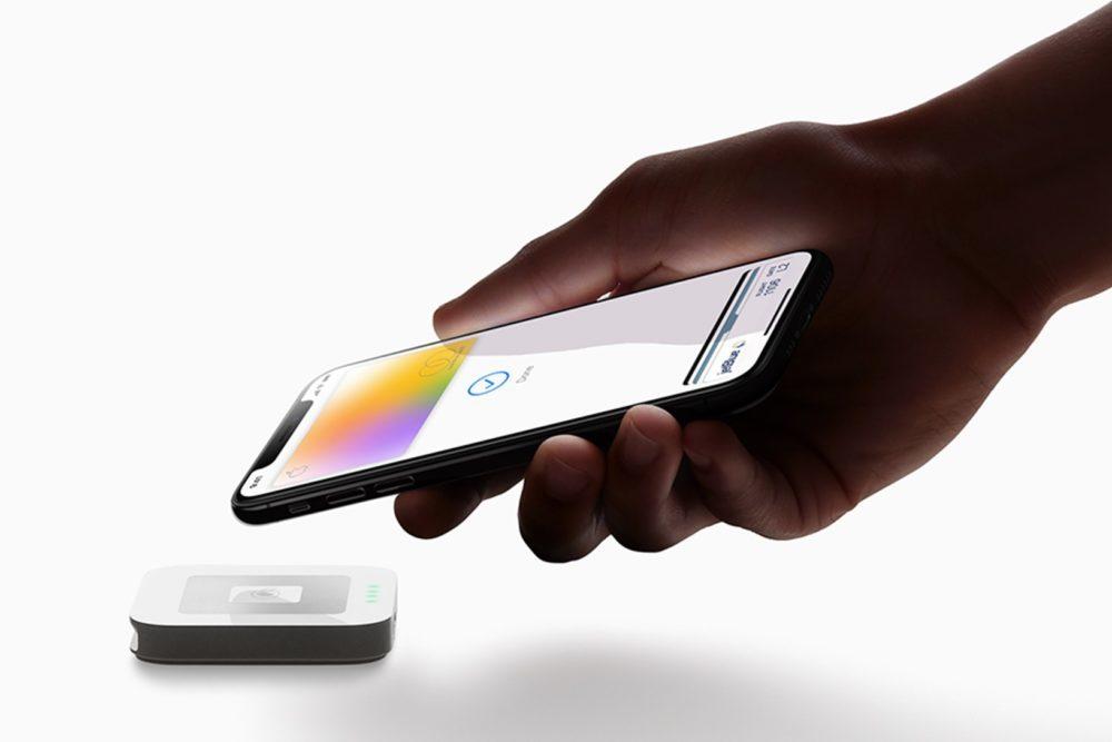 Apple Card iPhone XS 1000x667 Apple Pay : le service de paiement sans contact dApple arrive enfin au Crédit Agricole