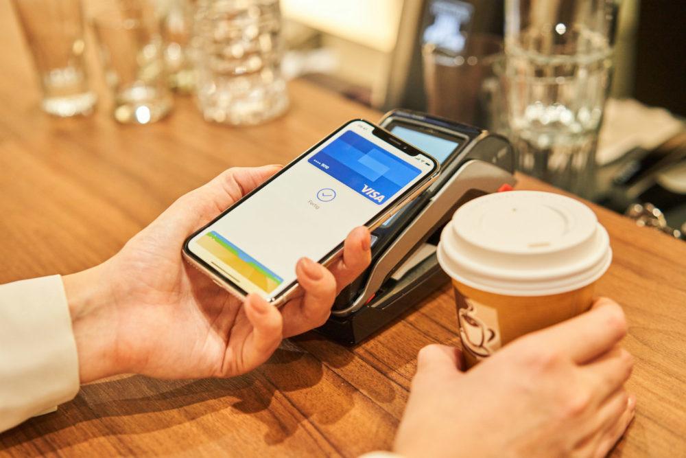 Payer Avec Apple Pay 1000x667 Apple Pay chez Crédit Mutuel et le CIC  : les cartes Visa désormais compatibles
