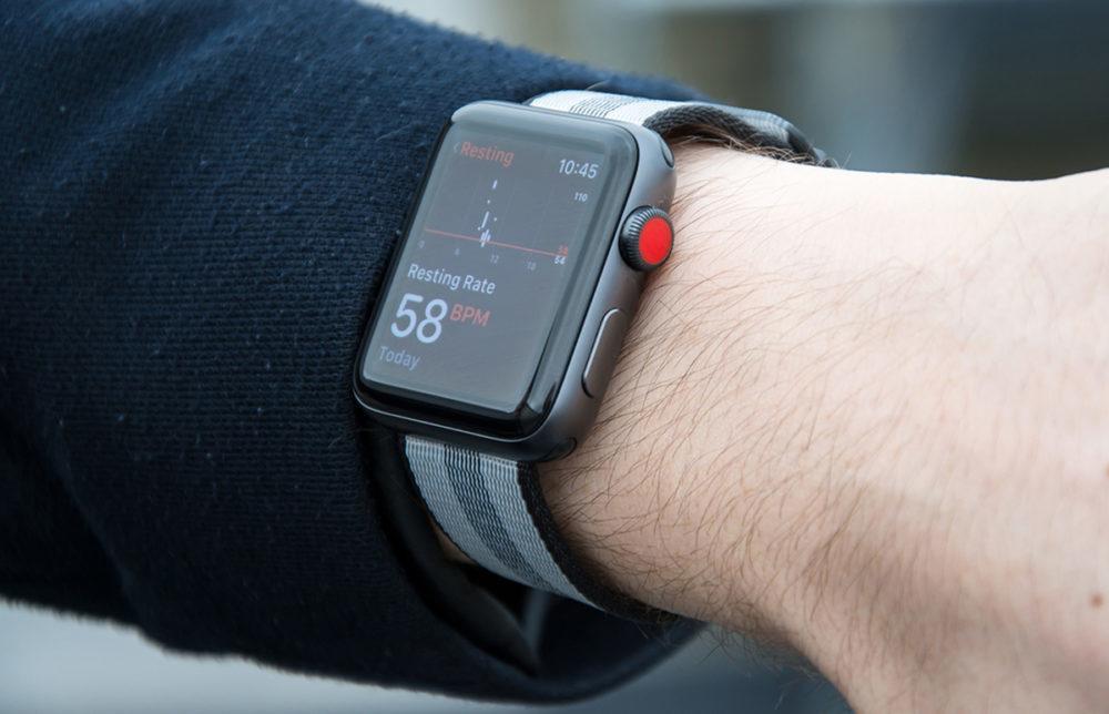 apple watch series 3 cellulaire 1000x644 Apple publie watchOS 7.0.3 pour corriger le bug de redémarrage des Apple Watch Series 3