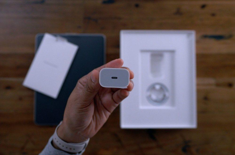iPad Pro 18W Chargeur 1000x661 Une autre rumeur affirme que liPhone 11 aurait un chargeur USB C inclus dans la boîte