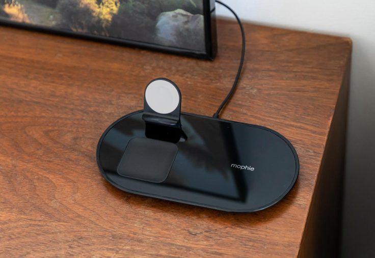 mophie 3 in 1 wireless charging pad equivalent airpower 4 Apple vend un analogue du AirPower qui peut recharger jusquà 3 appareils simultanément
