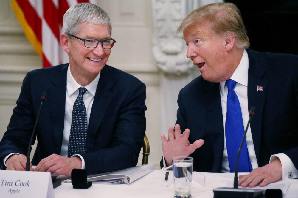 Tim Cook Donald Trump Tim Cook en Suisse avec Donald Trump, une rencontre en rapport avec léducation