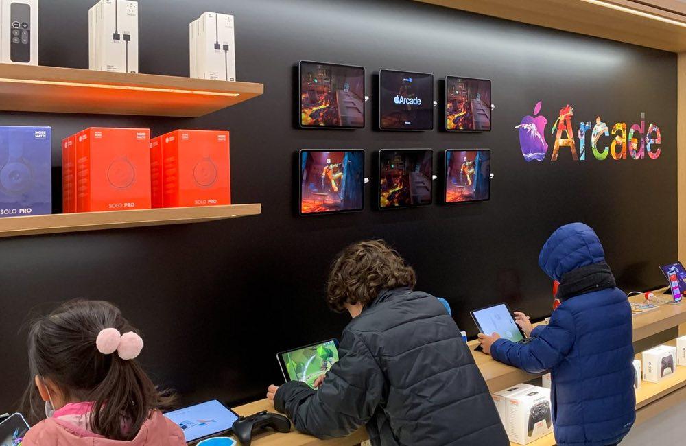 apple store arcade Les Apple Store resteront ouverts à Paris et Lille malgré le confinement