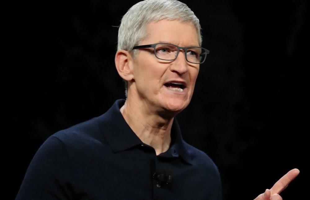 Tim Cook Apple Tim Cook, patron dApple, est le deuxième PDG américain le mieux payé en 2019 (133 millions de dollars)