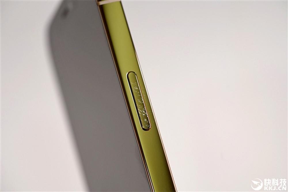 Apple iPhone 12 Tranches Abimees iPhone 12 : les tranches peuvent se dégrader aisément