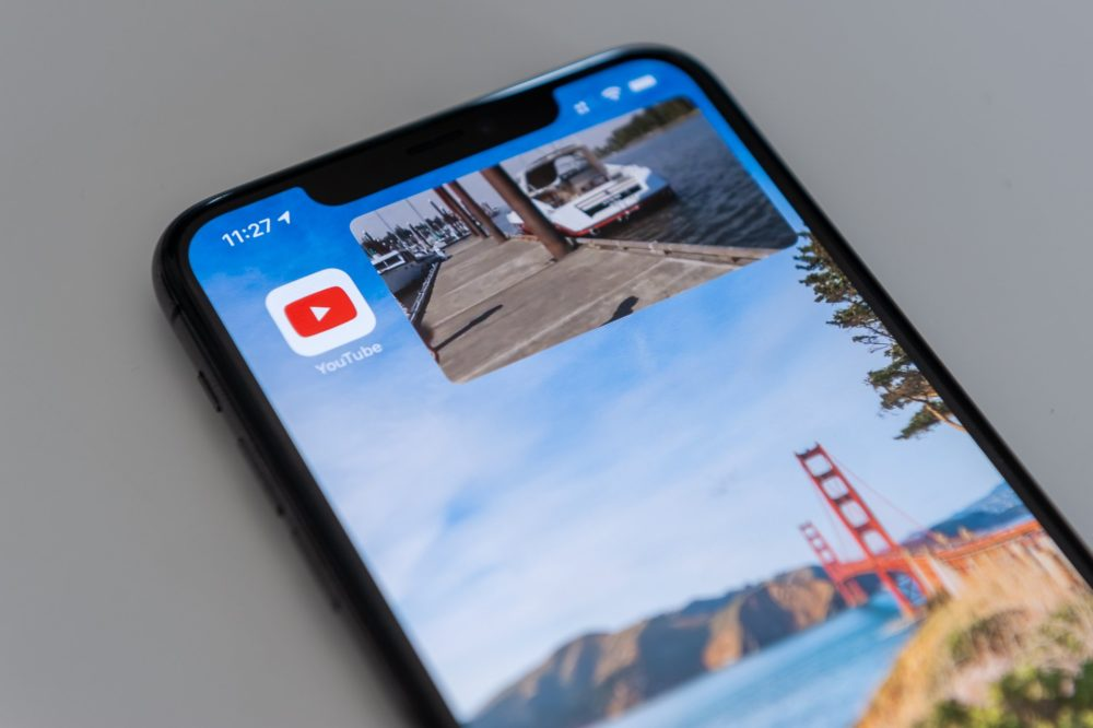 YouTube Picture in Picture iOS 14 YouTube : une mise à jour ajoute le support du HDR sur les iPhone 12