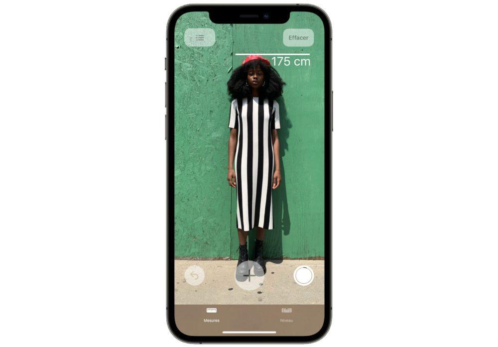 iPhone 12 Mesurer Taille Personne Il est possible de mesurer avec précision la taille dune personne avec liPhone 12 Pro
