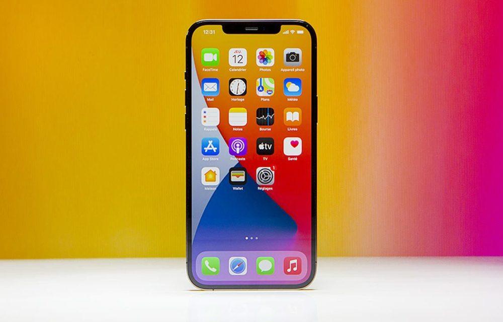 iPhone 12 Pro Max Facade Avant DisplayMate indique que liPhone 12 Pro Max dispose du meilleur écran de smartphone sur le marché