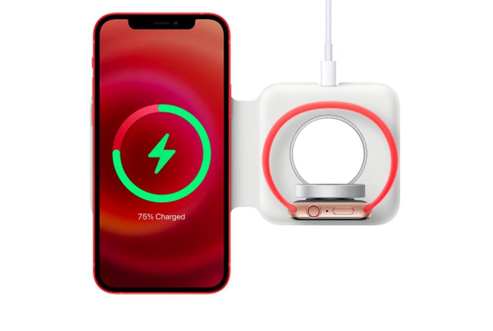 MagSafe Duo iPhone 12 Rouge Apple Watch MagSafe Duo : le chargeur sans fil dApple est disponible à lachat pour 149 euros