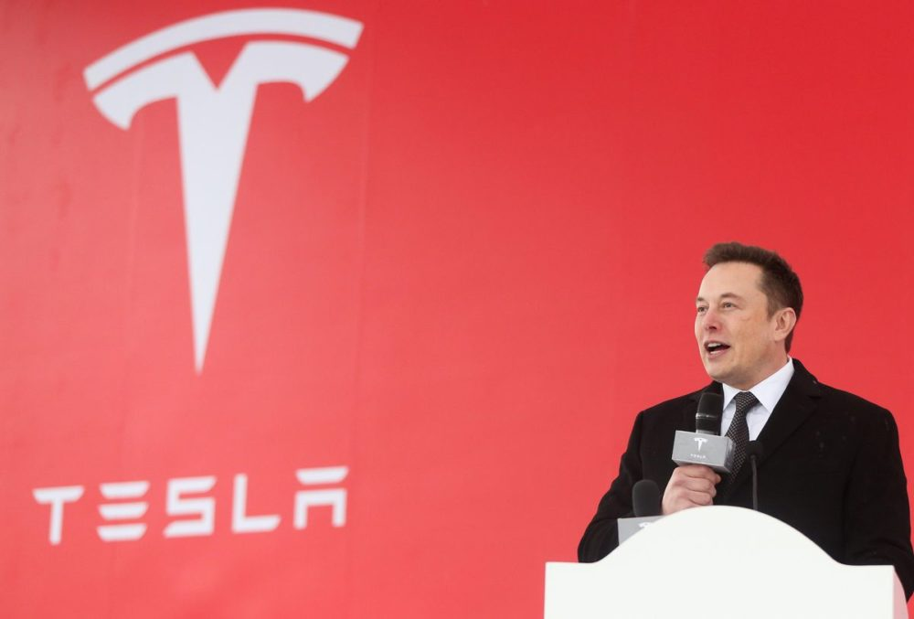 Tesla Elon Musk Elon Musk révèle quil cherchait à vendre Tesla à Apple, mais Tim Cook a refusé