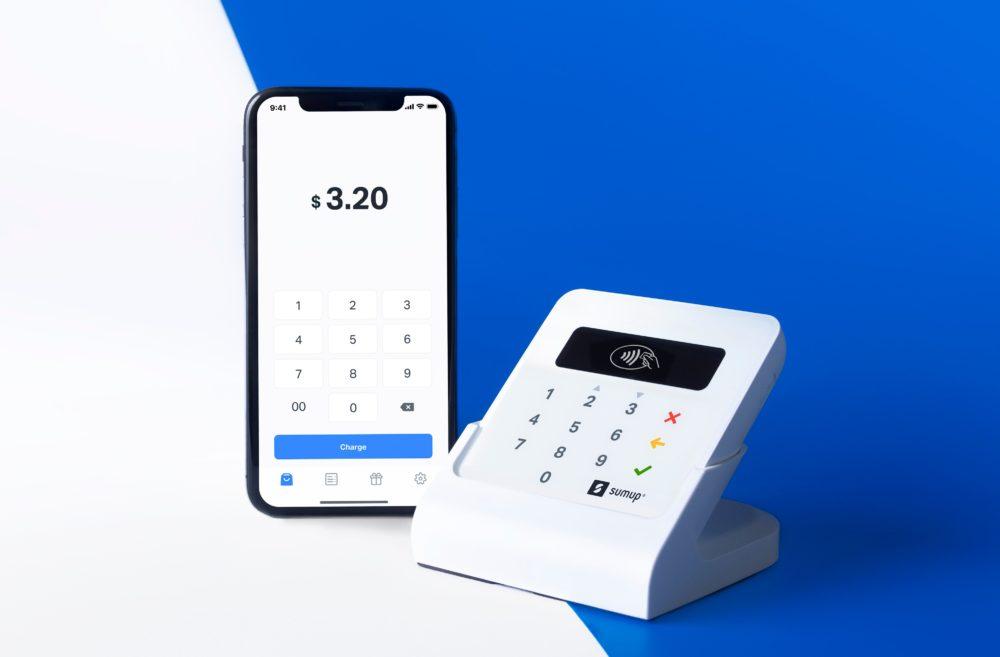 SumUpAirCradle withPhone Reference dollar Un terminal de paiement moderne et innovant