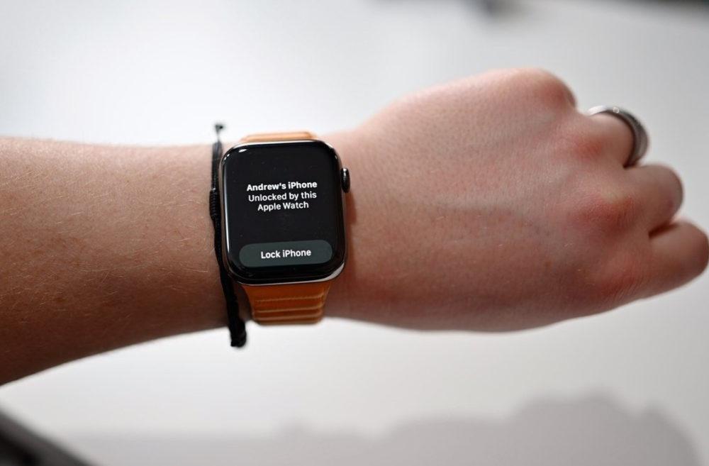 Apple Watch Deverrouillage iPhone 13 Apple annonce quil va corriger le bug qui empêche le déverrouillage de liPhone 13 avec lApple Watch